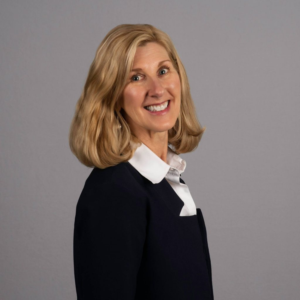 Lisa Lister, Business Manager